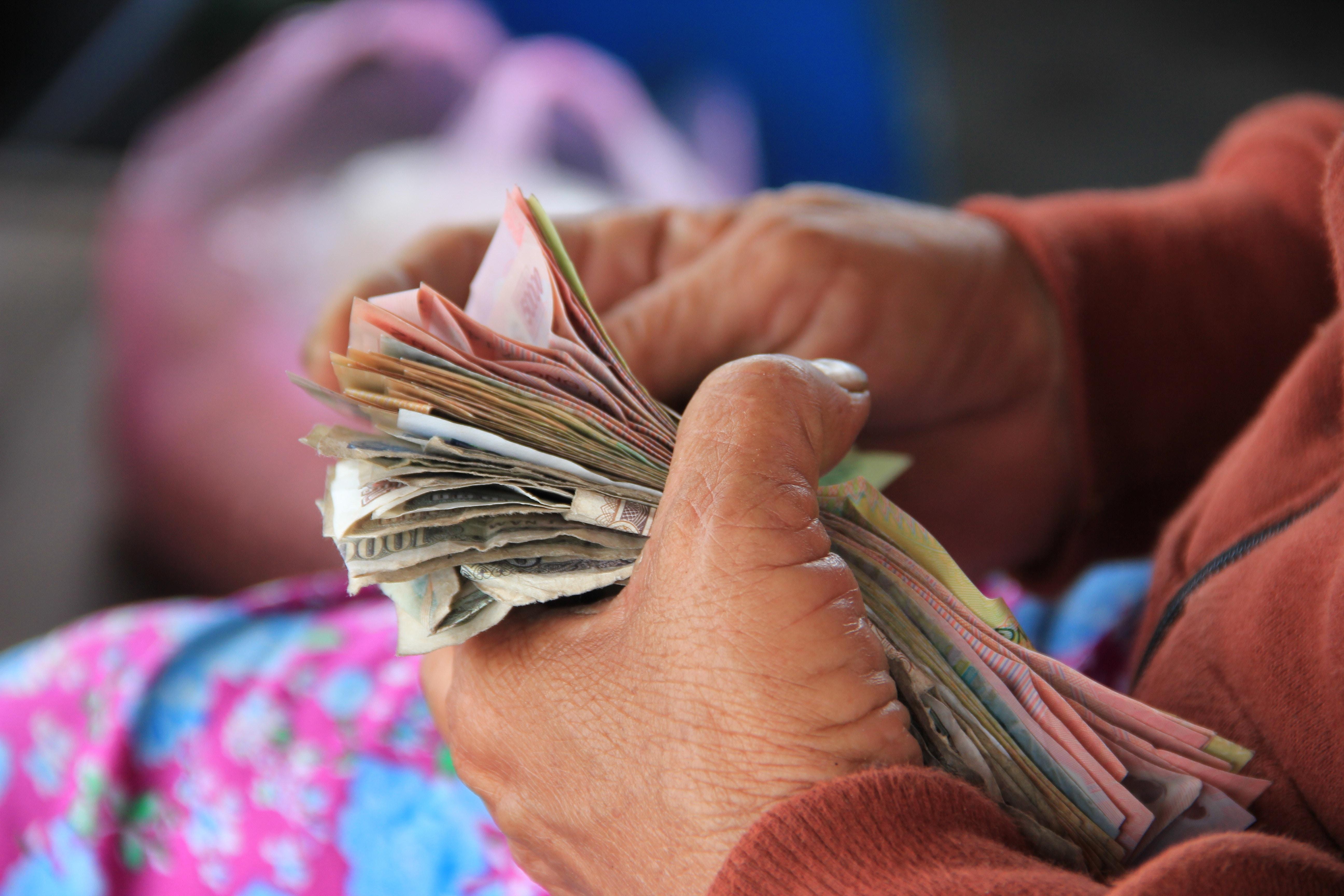 Kredyty refinansowe - czy warto je brać